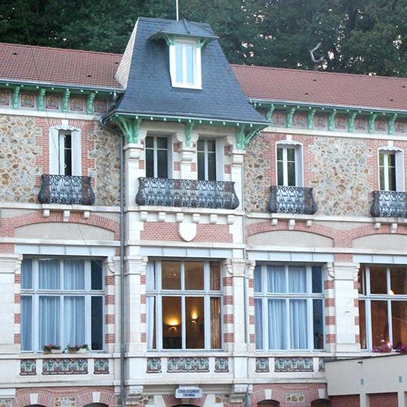 Grand hôtel à Evaux-les-Bains